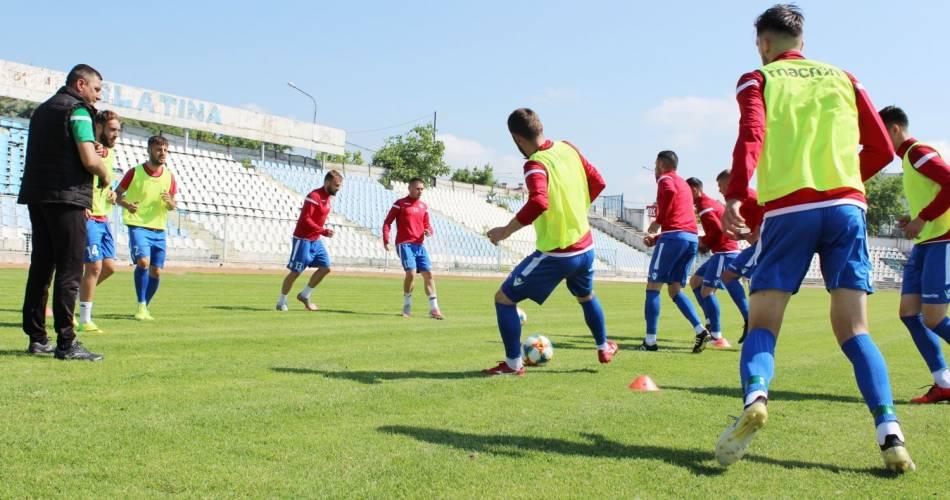 CSM Slatina coboară în iarbă. Pe 8 iulie, de la ora 18.00, fotbaliştii slătineni susţin primul antrenament pentru Liga a III-a